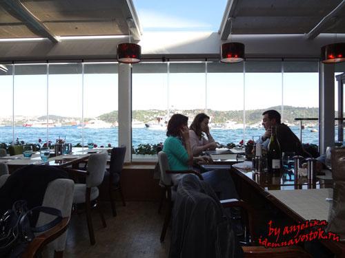 На террасе ресторана Divan