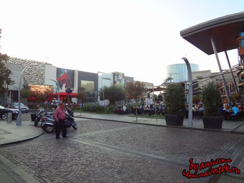 В центре ресторан Masa вокруг дома мировых брендов