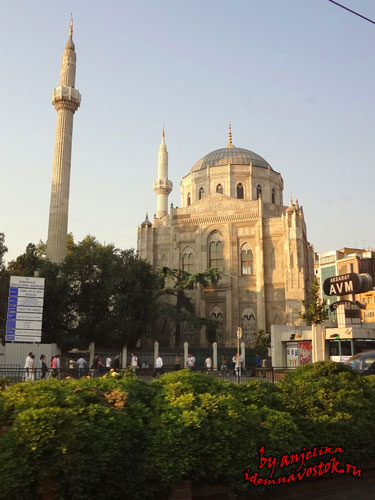 мечеть Валиде султан Пертевнияль