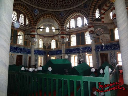 Мавзолей султана Селима II, могила Нурбану султан